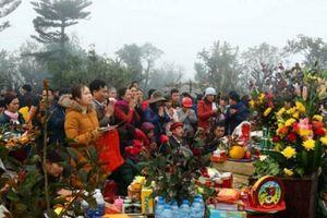 Lễ hội Đền Nưa - Am Tiên thu hút hàng vạn du khách thập phương