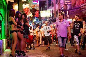 Thái Lan bắt 10 người Nga dạy sex ở Pattaya