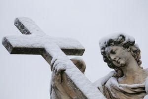 Hình ảnh 'quái vật phương Đông' làm tuyết rơi bất thường ở Italy