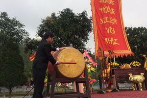 Nghệ An: Nhộn nhịp với lễ hội Đền Vua Mai