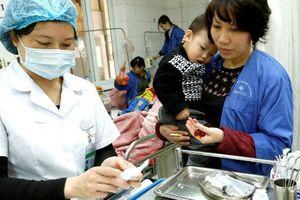 'Mua thuốc cho trẻ dưới 72 tháng tuổi, cha mẹ phải trình CMND': Cục Quản lý Khám chữa bệnh nói gì?