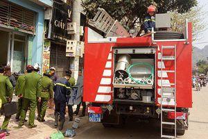 Nghi vấn người đàn ông đốt xăng trong nhà khiến bình gas phát nổ