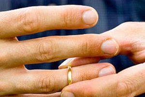Có nên tiếp tục cuộc hôn nhân không tình yêu?