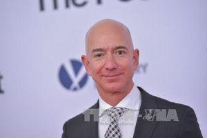 Qua mặt Bill Gates, ông chủ Amazon trở thành người giàu nhất thế giới