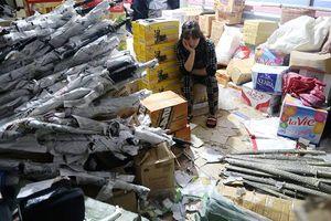 Bắt giữ số lượng lớn vũ khí thô sơ, hàng nhạy cảm nguồn gốc Trung Quốc