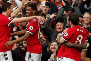 M.U - Liverpool 2-1: Klopp chê trọng tài, Mourinho 'đá xéo' bình luận viên