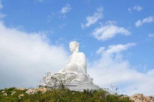 Hàng nghìn người đến chùa Ông Núi, ngắm tượng phật cao nhất Đông Nam Á