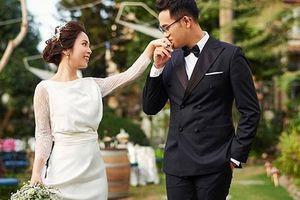Ngắm bộ ảnh cưới hài hước của MC 'Chúng tôi là chiến sĩ' Đức Bảo