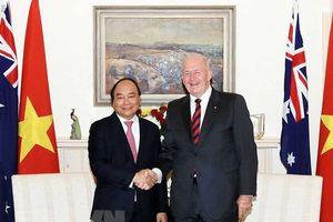 Thủ tướng Nguyễn Xuân Phúc gặp Toàn quyền Úc