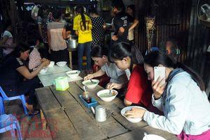 Tới An Giang nhớ nếm thử bánh canh 'chờ' của người Khmer