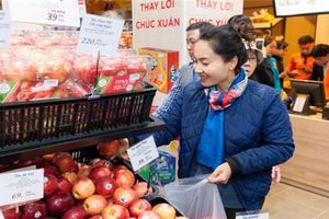 Bầu Hiển âm thầm mở siêu thị trong thế trận 'hai gọng kìm'