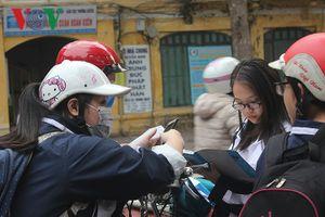 Thi thử tổ hợp KHTN: Học sinh Hà Nội hoang mang, chỉ làm được quá bán