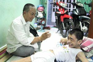 Vị lương y chuyên chữa trị cho những trẻ mắc bệnh hiểm nghèo