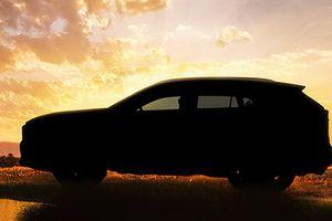 Toyota 'nhá hàng' chuẩn bị ra mắt RAV4 phiên bản 2019