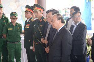 Thủ tướng Nguyễn Xuân Phúc viếng ông Phan Văn Khải tại quê nhà
