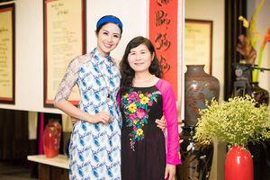 Xúc động nhật ký mẹ Hoa hậu Ngọc Hân viết cho con 28 năm về trước