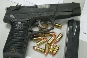 Phát hiện hành khách mang súng và 200 viên đạn ở sân bay Nội Bài