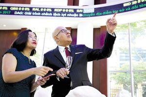 Quỹ ngoại ồ ạt rót vốn vào ngân hàng Việt, lợi ích quá lớn?
