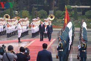Toàn cảnh lễ đón Tổng thống Hàn Quốc thăm cấp Nhà nước tới Việt Nam