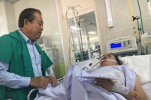 Phó Thủ tướng đến BV thăm các nạn nhân vụ cháy Carina