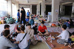 Cư dân Carina Plaza được hứa hỗ trợ 300.000 đồng/ngày/hộ