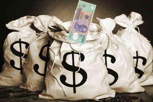 Truy tố đối tượng 'dàn cảnh' mua bán tiền giả rồi cướp tài sản