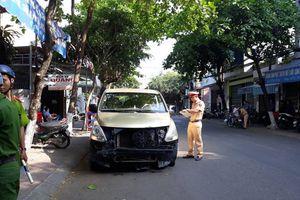 Bình Định: Ô tô 7 chỗ tông vào nhà dân rồi tẩu thoát