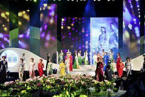 Lễ hội Áo dài 2018 thu hút hơn 100.000 lượt du khách