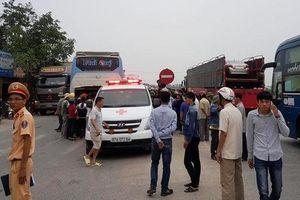 Xe khách tông hàng loạt xe máy, 3 người thiệt mạng ở Nghệ An