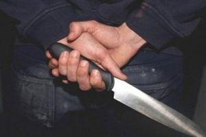 Hà Nội: Bắt khẩn cấp 2 đối tượng đâm bạn nhậu thủng bụng