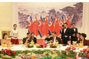 Kim Jong Un được ông Tập Cận Bình đãi rượu gì?