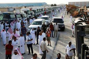 Hàng nghìn người 'đổ xô' mua tài sản thanh lý của tỷ phú Arab