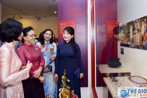 Phu nhân Lãnh đạo GMS thăm Bảo tàng Phụ nữ Việt Nam