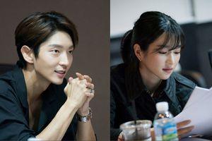 'Tứ hoàng tử' Lee Jun Ki 'xuất thần' tại buổi đọc kịch bản phim 'Lawless Lawyer'