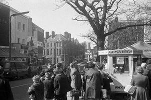 Lạ lẫm cuộc sống thường nhật ở Anh thập niên 1960