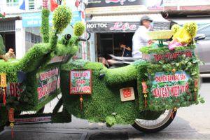 Xe bán trái cây 'độc nhất vô nhị' giữa Sài Gòn