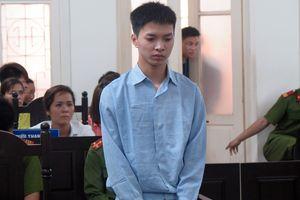 Bị cáo có gương mặt thư sinh lĩnh án chung thân khóc lóc ở tòa