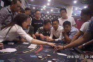 Casino 'đội lốt' CLB bridge và poker