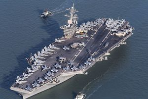 40 chiến hạm Trung Quốc rầm rộ xuống Biển Đông tập trận, Mỹ xuất kích 2 cụm tàu sân bay