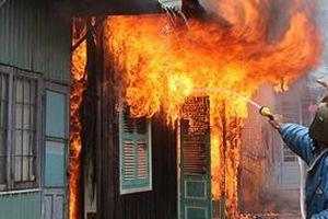 Hỏa hoạn thiêu rụi nhà thầy giáo ở Cà Mau