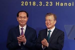 Mỹ và Trung Quốc đẩy Hàn Quốc về phía Việt Nam