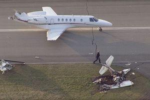 Máy bay đâm nhau trên đường băng, 2 người chết thảm