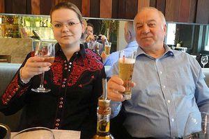 Con gái cựu điệp viên Nga bị đầu độc sau khi nhận 200.000 USD