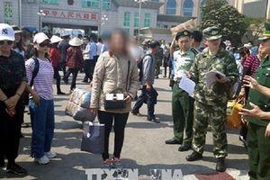 Bị lừa bán sang Trung Quốc làm vợ người đàn ông trung tuổi, một phụ nữ may mắn trốn thoát