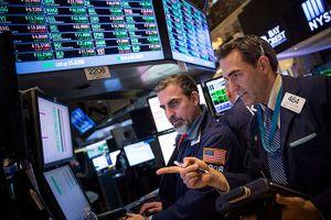 Bỏ qua nỗi lo chiến tranh thương mại, giới đầu tư hướng tới kết quả kinh doanh
