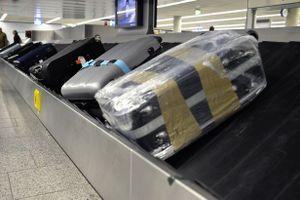Tạm giữ nhân viên sân bay Tân Sơn Nhất trộm đồ của khách