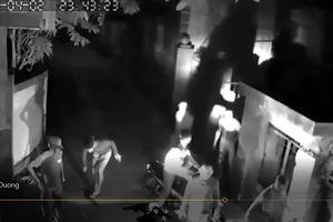 Điều tra vụ nhóm côn đồ vác mã tấu truy sát tận nhà 2 thanh niên