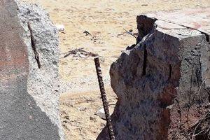 Công trình kè chống xói lở bờ biển Tam Quan (Hoài Nhơn-Bình Định) bị hư hỏng: Do thiên tai hay nhân tai?