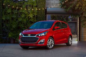 Xe giá rẻ Chevrolet Spark lột xác với nhiều tiện nghi