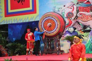 Thanh Hóa: Lễ hội đền Bà Triệu thu hút hàng vạn người tham dự
